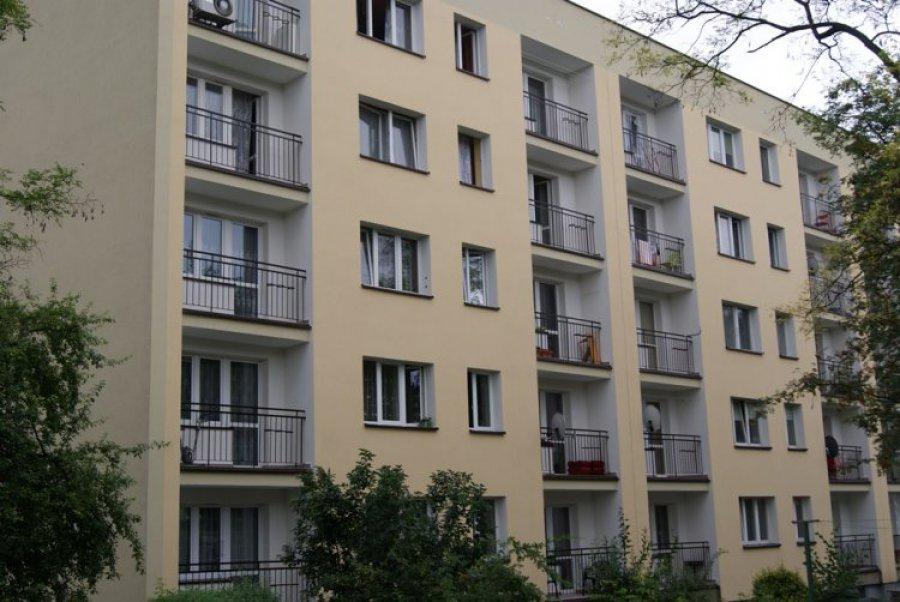 CHRZANÓW. Balkony w blokach: pstrokato czy jednolicie?