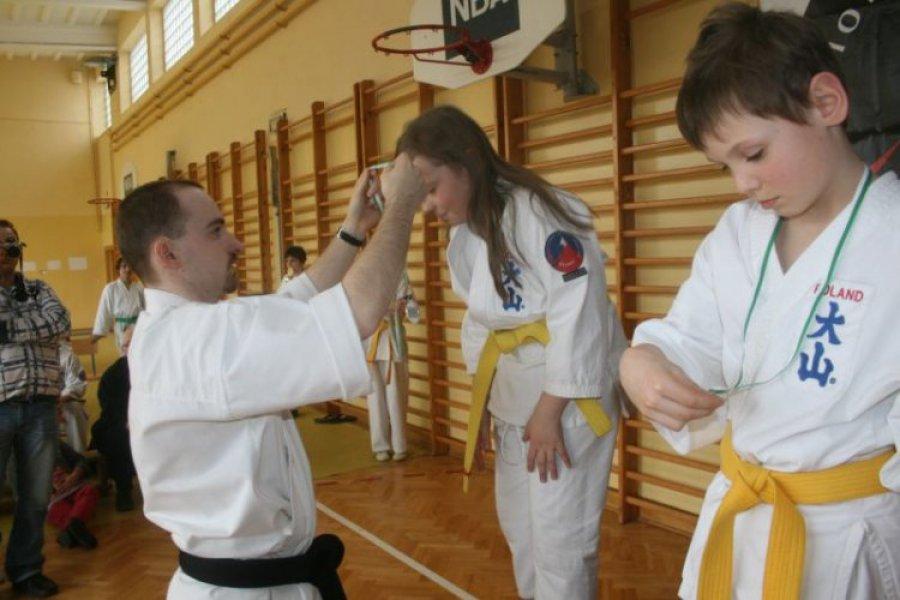Oyama karate: cztery wygrane gospodarzy w chrzanowskich zawodach
