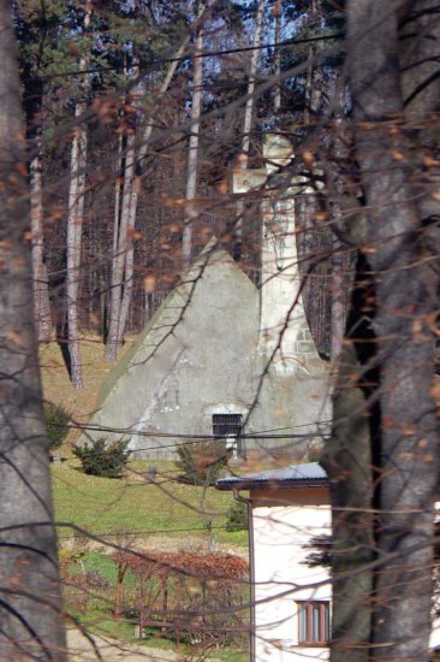 Piramida premiera