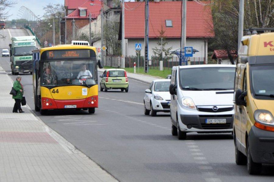 KOMUNIKACJA. Kierowcy odstawcie auta i wsiądźcie w autobusy