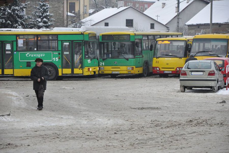 CHRZANÓW. Autobusy od czwartku jeżdżą po nowemu