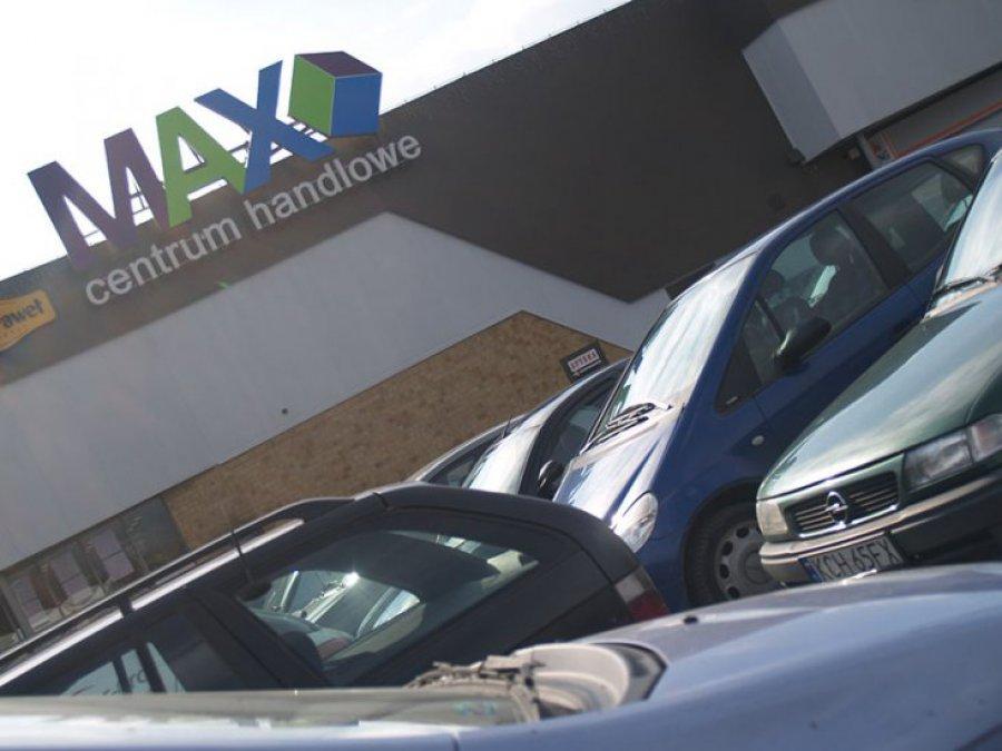Łatwiej zaparkujesz pod Maxem dzięki urządzeniu informującemu o wolnych miejscach