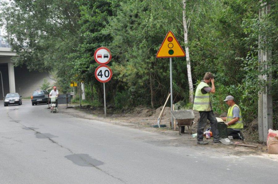 Rozpoczęła się budowa chodnika przy ulicy Wodzińskiej