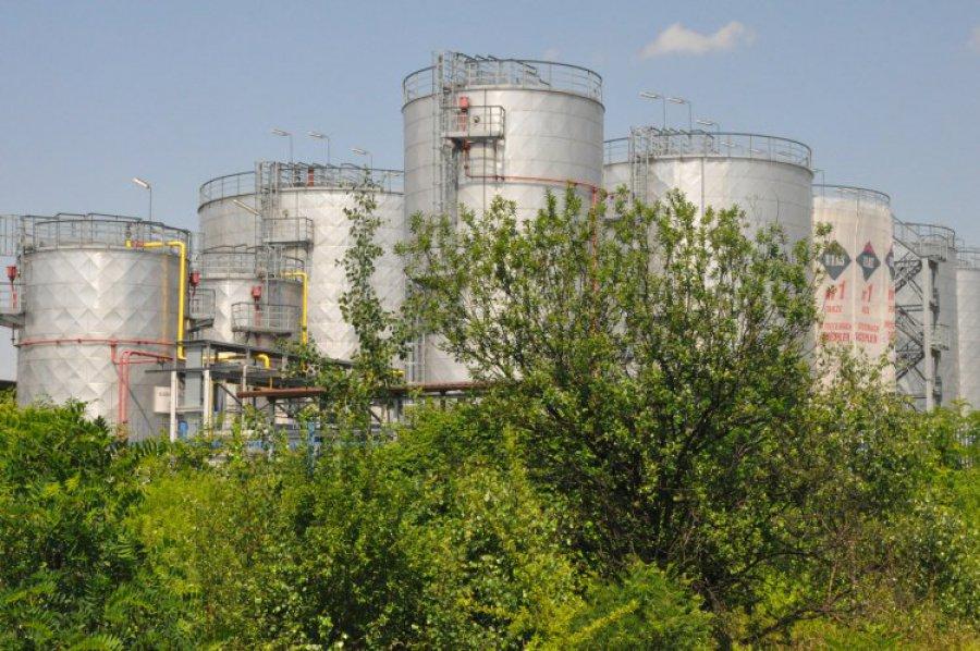 Prokurator oskarża byłego prezesa rafinerii