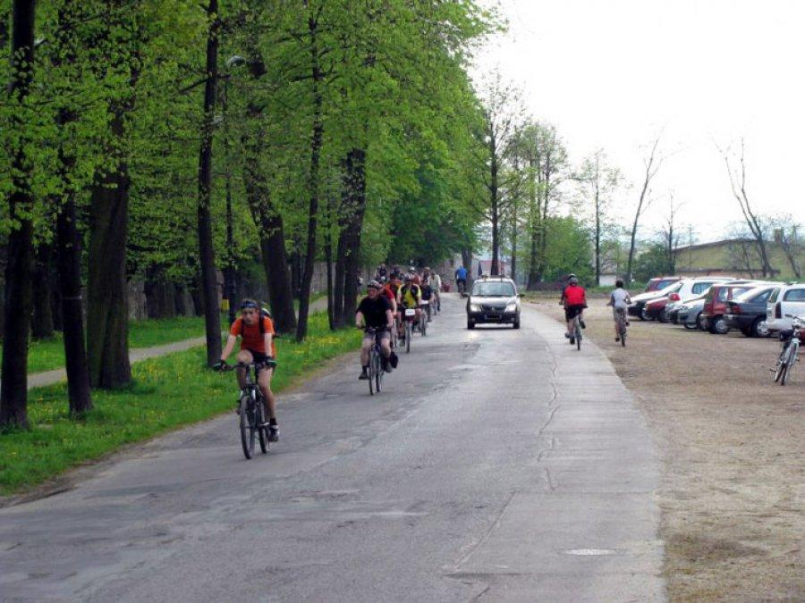 Miłośnicy dwóch kółek pojadą w sobotę z Krakowa do Młoszowej