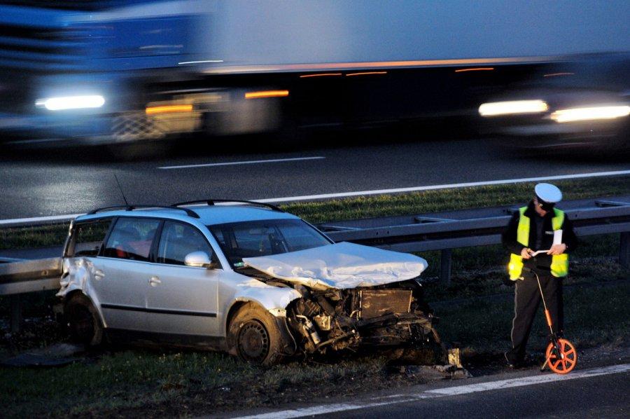 Roztrzaskane samochody na autostradzie A4