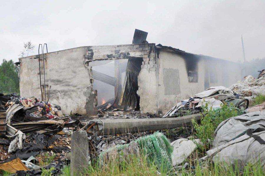 Pożar opon i szmat przy ul. Słowackiego