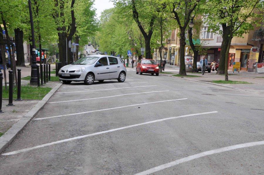 Burmistrz chce konstultacji społecznych w sprawie strefy płatnego parkowania