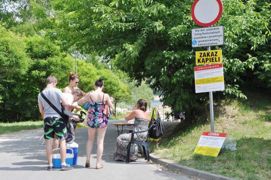 Za wejście nad Balaton administrator pobiera opłaty i nie pozwala się kąpać