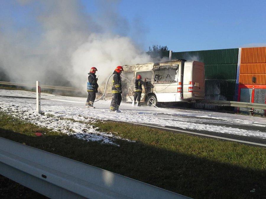 Zapalił się bus na A4