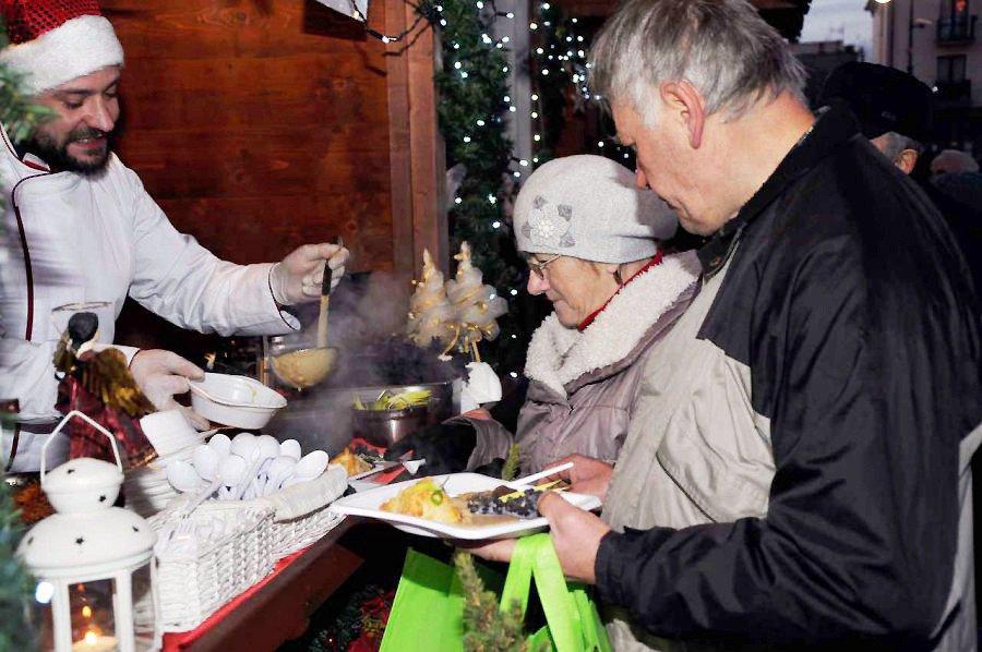 Szefowie kuchni częstowali nie tylko tradycyjnymi daniami na Wigilię