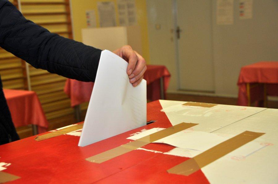 Rozpoczęło się liczenie głosów w wyborach burmistrza Chrzanowa