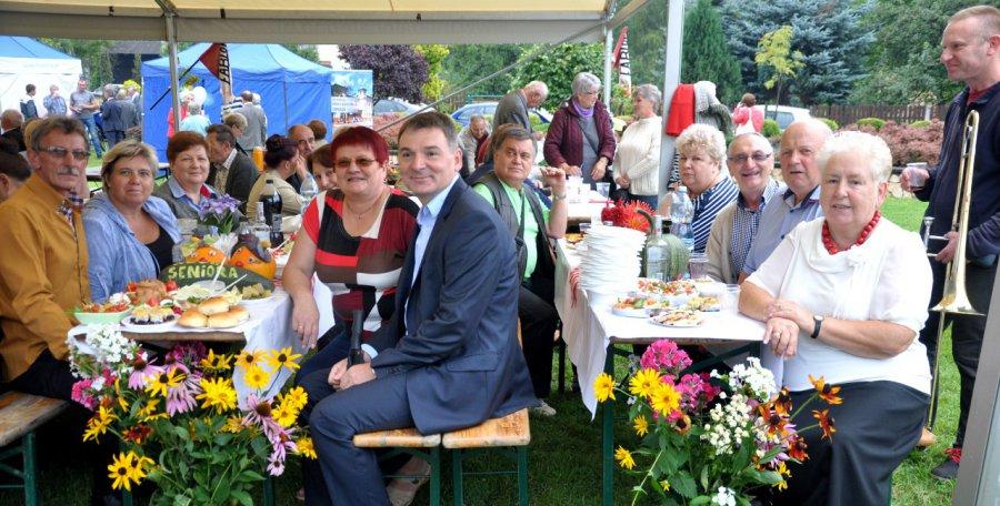 Prawie tysiąc osób przyszło na Powiatowy Piknik Seniora