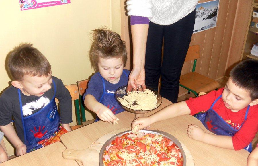 Międzynarodowy Dzień Pizzy w PS nr 3 w Trzebini