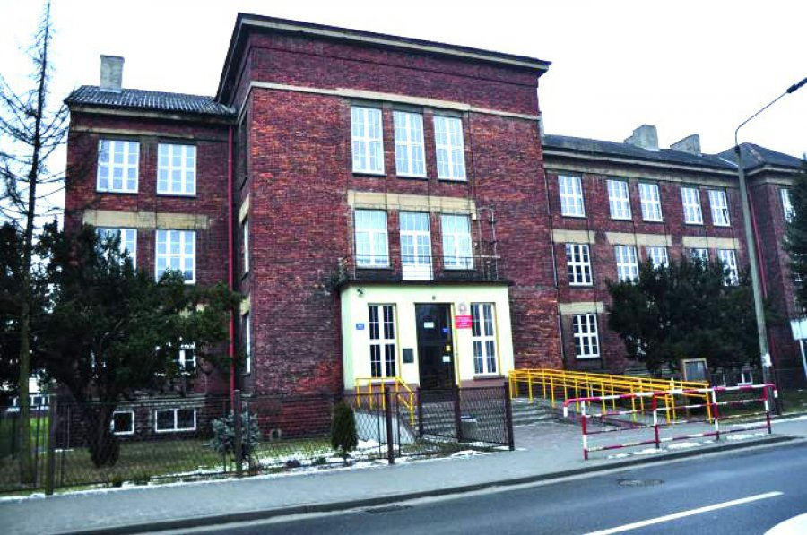 Powiat nie poprowadzi liceum w centrum Trzebini