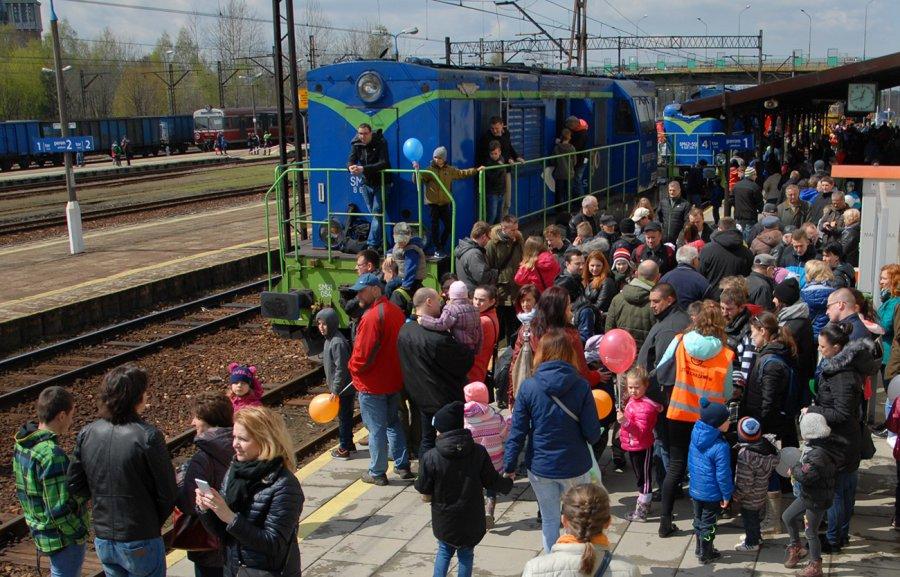 Pociągi przyciągnęły tłumy (WIDEO, ZDJĘCIA)