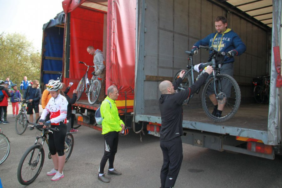 Organizatorzy rajdu przewiozą na start rowery i uczestników. Można się już zgłaszać