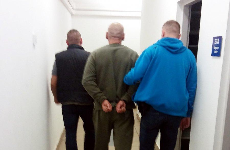 Zatrzymani mężczyźni zarabiali na prostytucji kobiet i narkotykach (WIDEO)