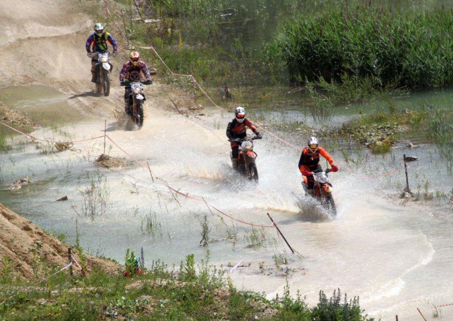 Motocykliści mogli się wyszaleć (WIDEO)
