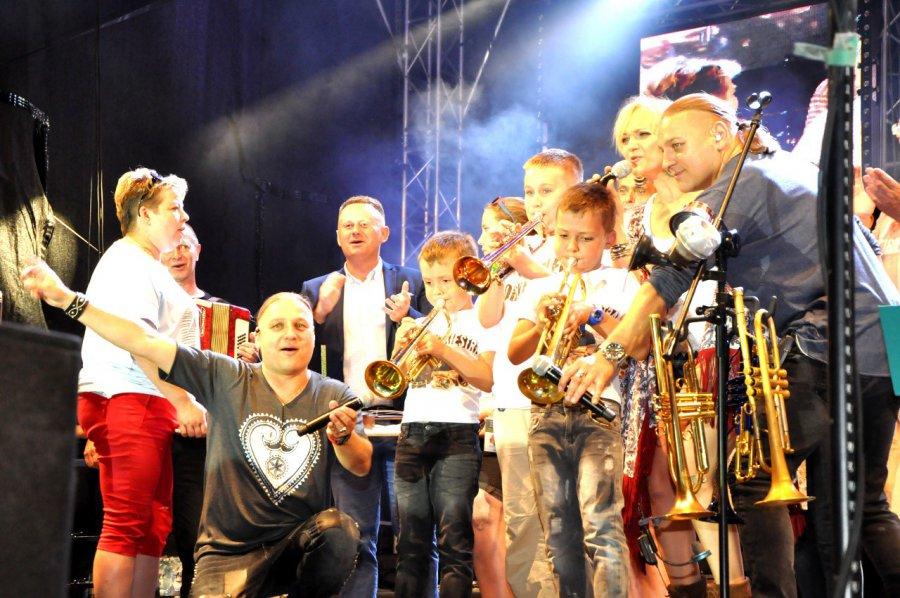 Sto lat, sto lat... śpiewali Golcom w Trzebini (VIDEO)