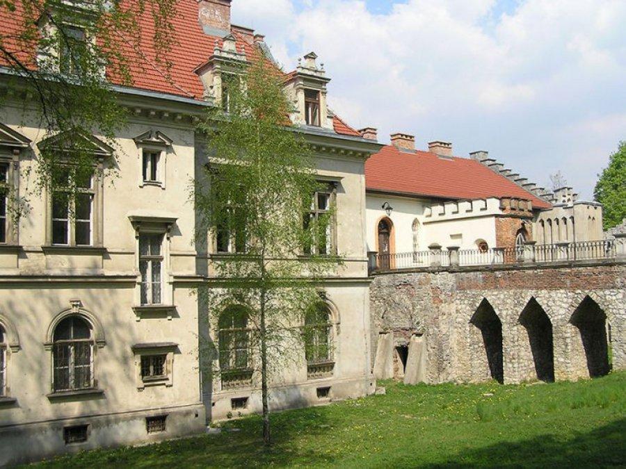 AGH chce przejąć pałac w Młoszowej