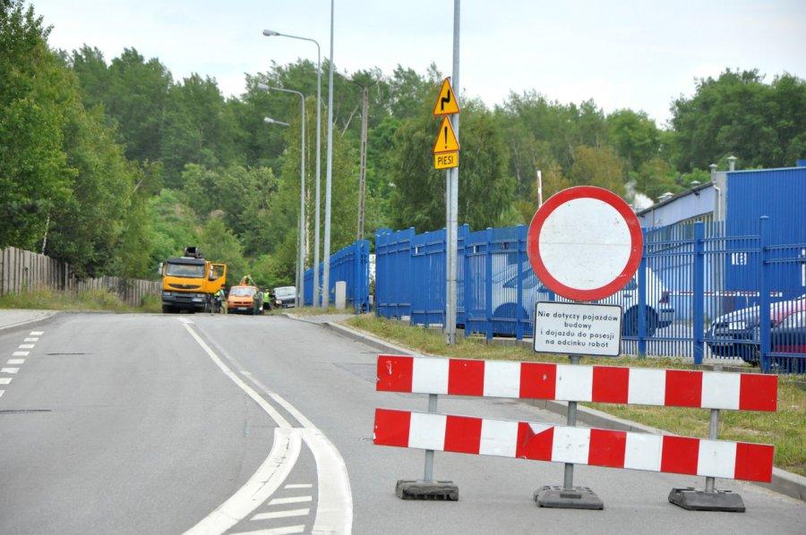 Ulicą Dworcową w Trzebini nie da się przejechać