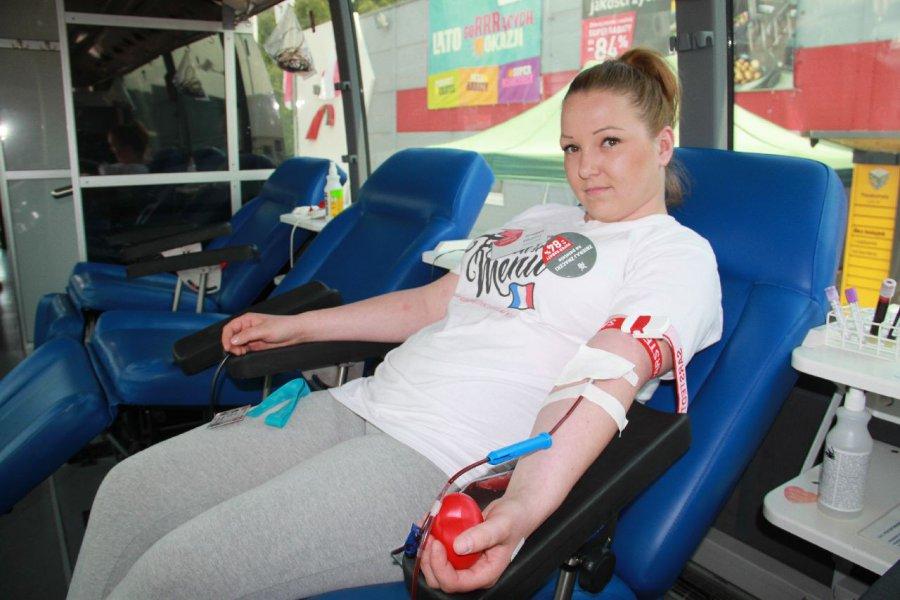 Lekarz w ambulansie poczeka na krwiodawców