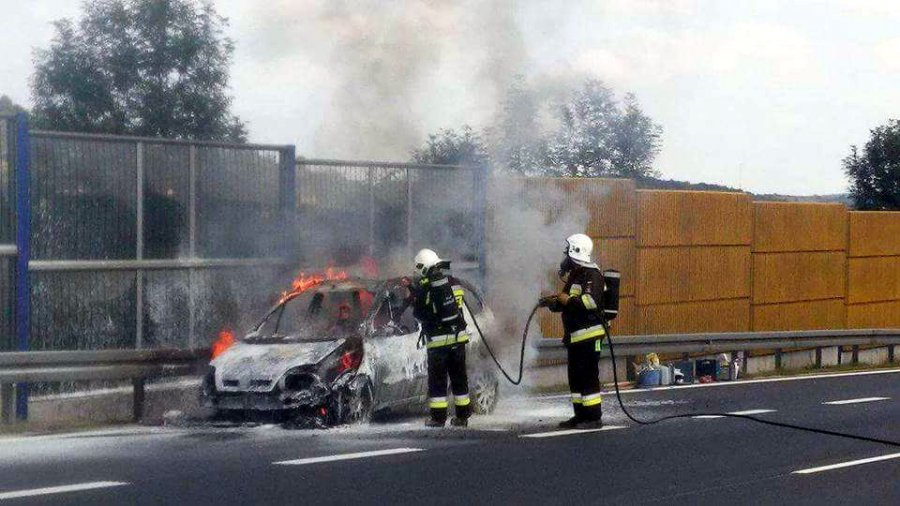 Spłonął samochód na autostradzie A4