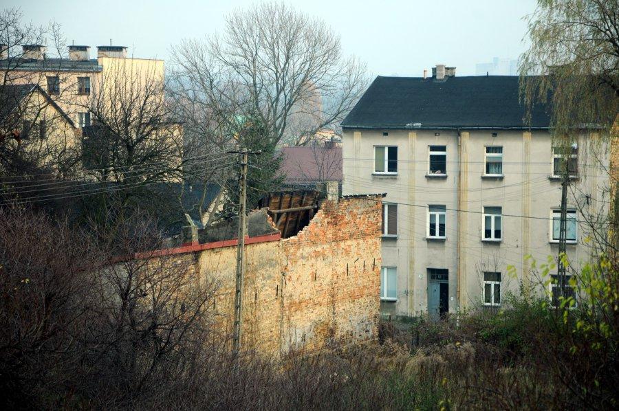 Runął fragment budynku przy Świętokrzyskiej