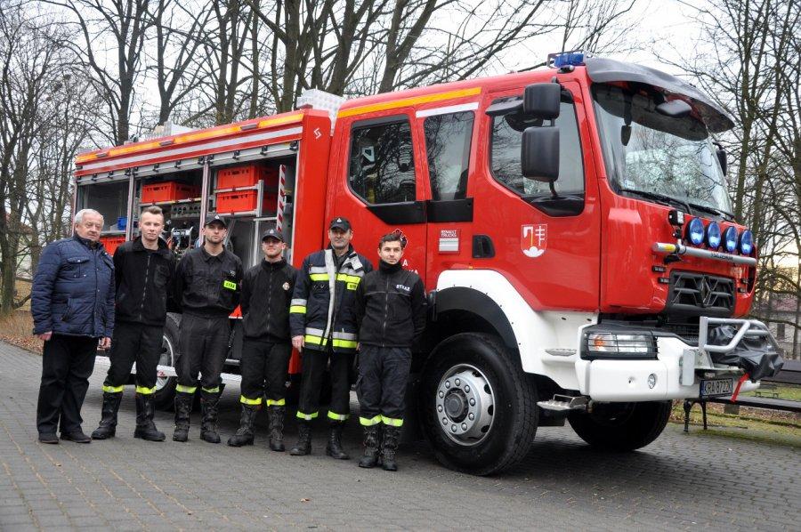 Strażacy mogą się pochwalić nowym wozem za prawie 800 tys. zł