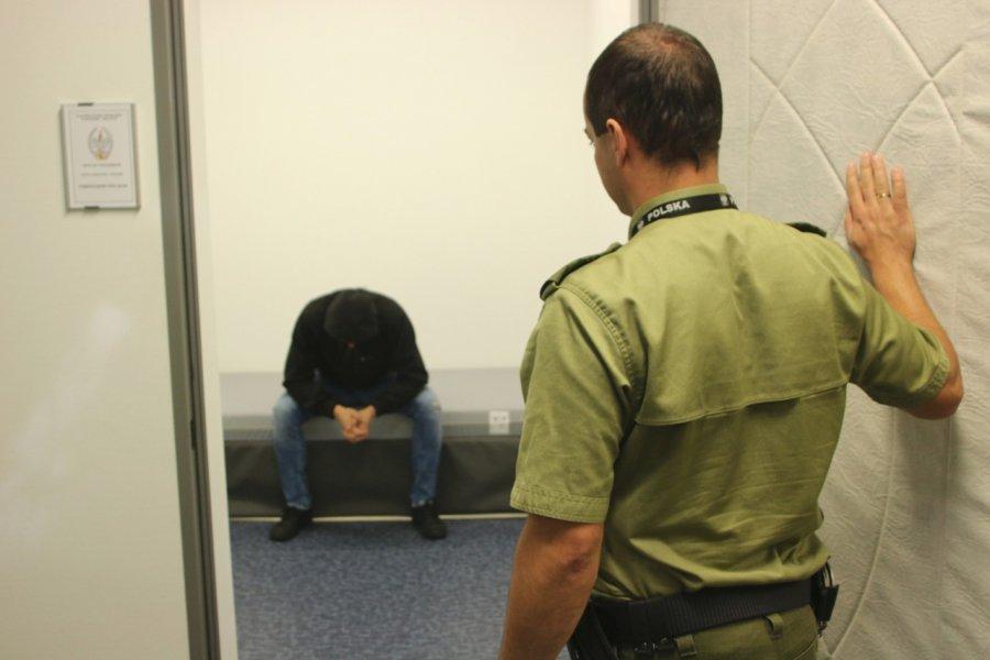 Poszukiwany wpadł na lotnisku, gdy wracał z Londynu