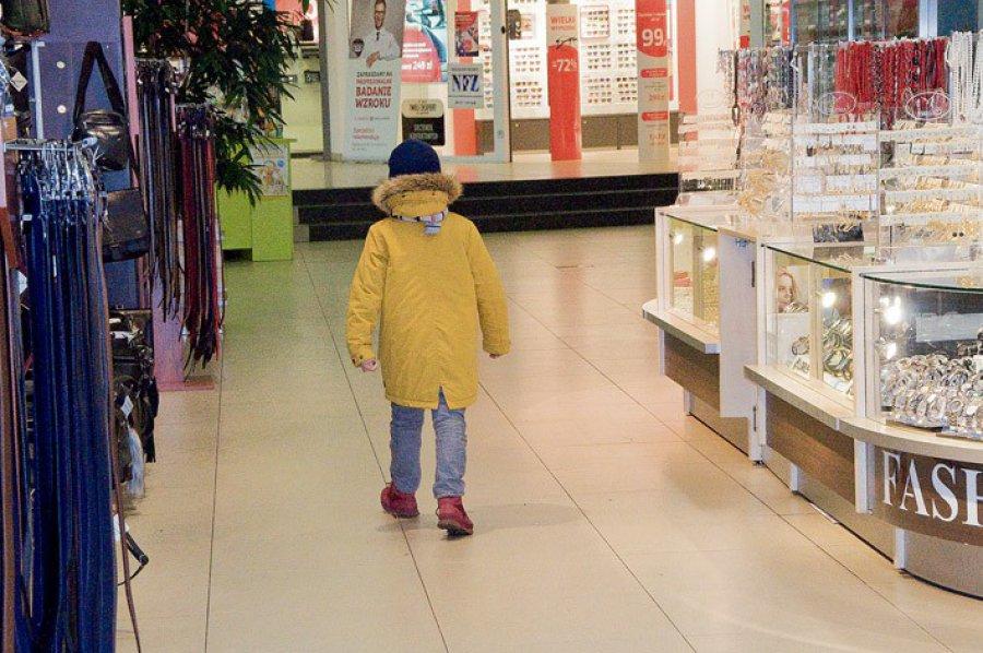 Bezpieczne zakupy z dzieckiem