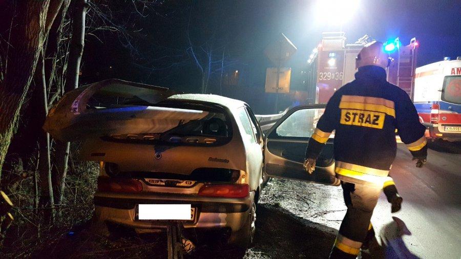 Bariera przebiła samochód na wylot