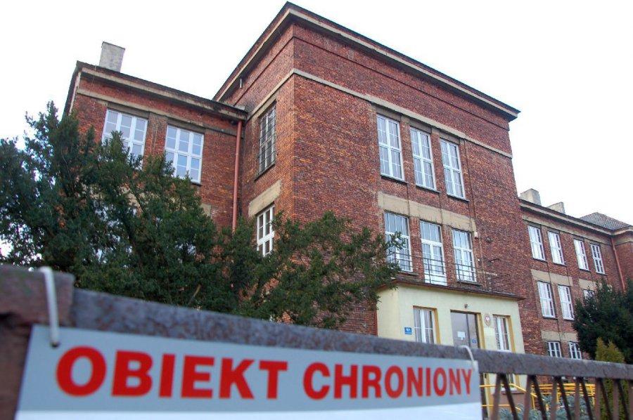Budynek liceum w Sierszy do wynajęcia