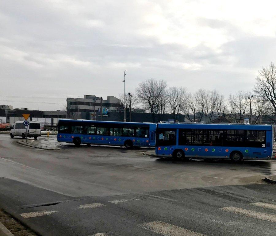 Nowe autobusy odesłano do producenta, bo miały zły kolor
