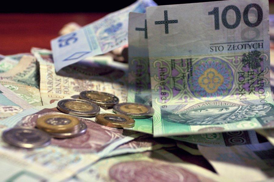 Sprawdź kiedy skarbówka zwróci ci pieniądze