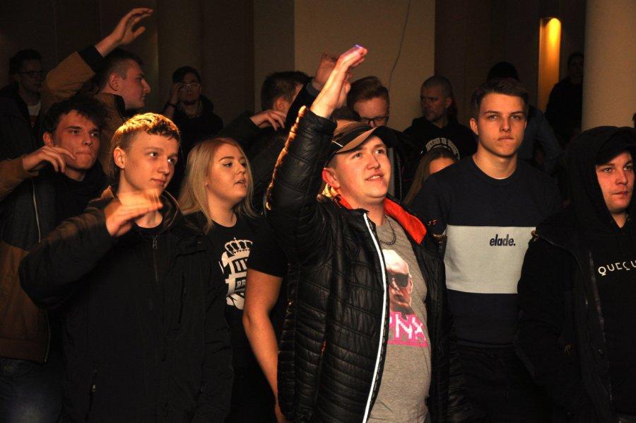 Przyjaciele zorganizowali koncert, by pomóc Sylwii Wycisk (WIDEO)