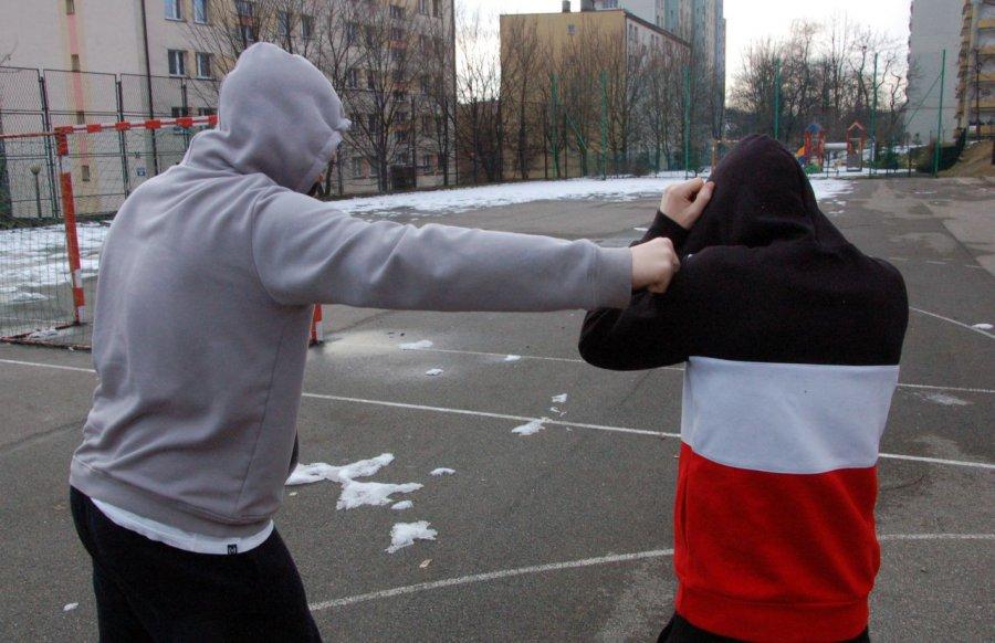 Uczniowie padają ofiarami agresji i przemocy