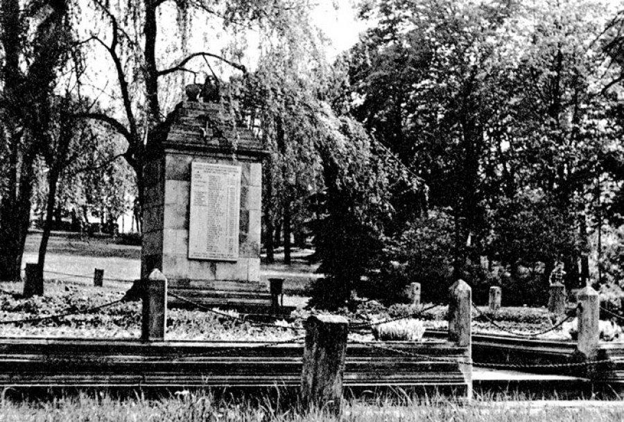 Żołnierze rosyjscy spoczywający w Kościelcu doczekali się swojego miejsca na cmentarzu