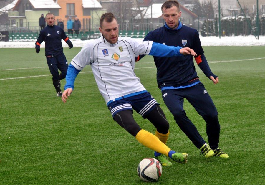 Głupie błędy zdecydowały o porażce trzebińskich piłkarzy