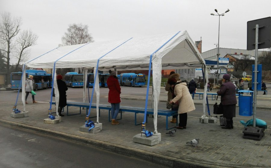 Zamiast nowych wiat będą... namioty?
