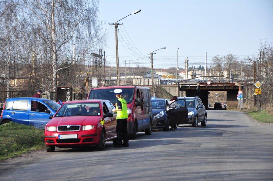 Kierowcy jeżdżą Dworcową mimo zakazu