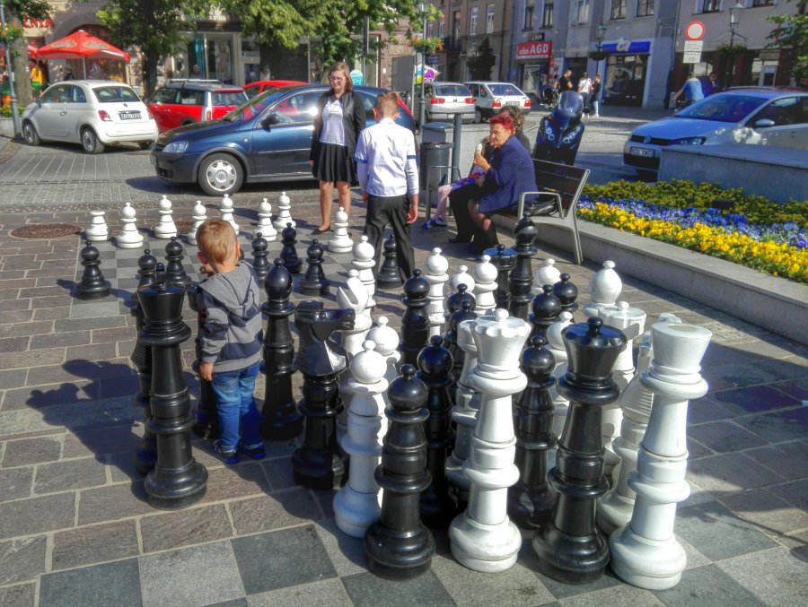 Wielkie szachy u sąsiadów. A co z plażą w Chrzanowie?