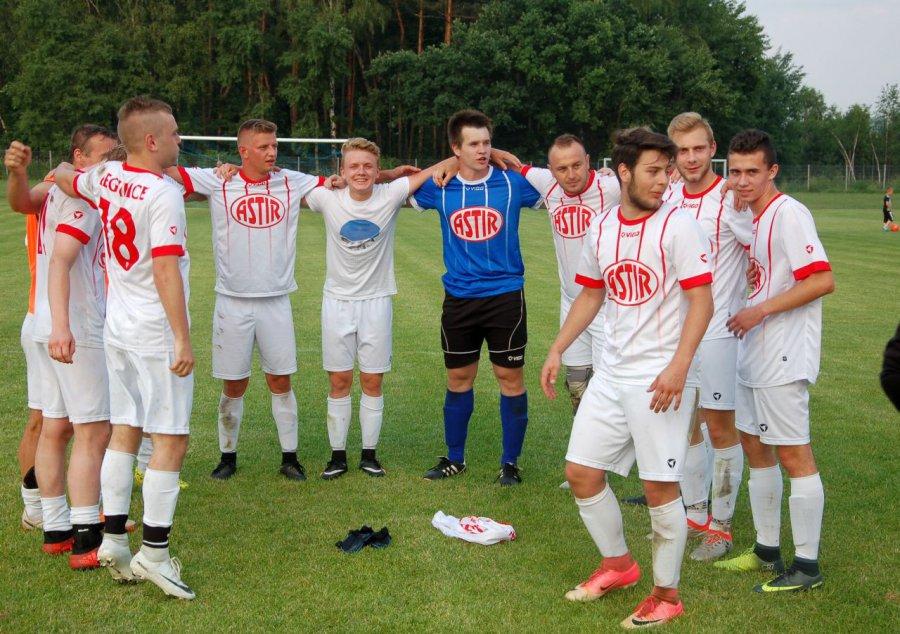 Piłkarze Regulic ucieszyli się z awansu