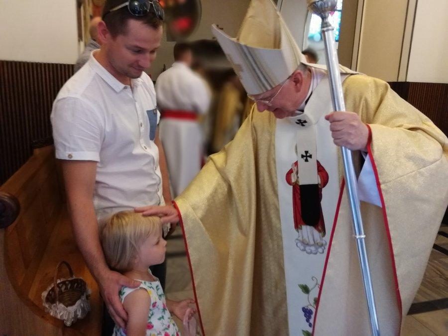Mała Zosia na jubileuszu u księży Salwatorianów