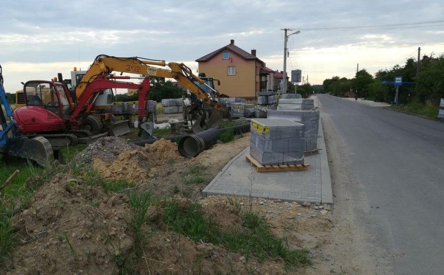 Kierowcy muszą uważać na drodze z Płazy do Pogorzyc