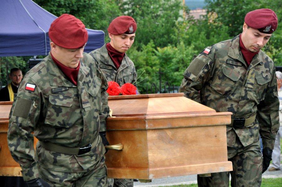 Pogrzeb 1340 czerwonoarmistów na chrzanowskim cmentarzu (GALERIA, WIDEO)