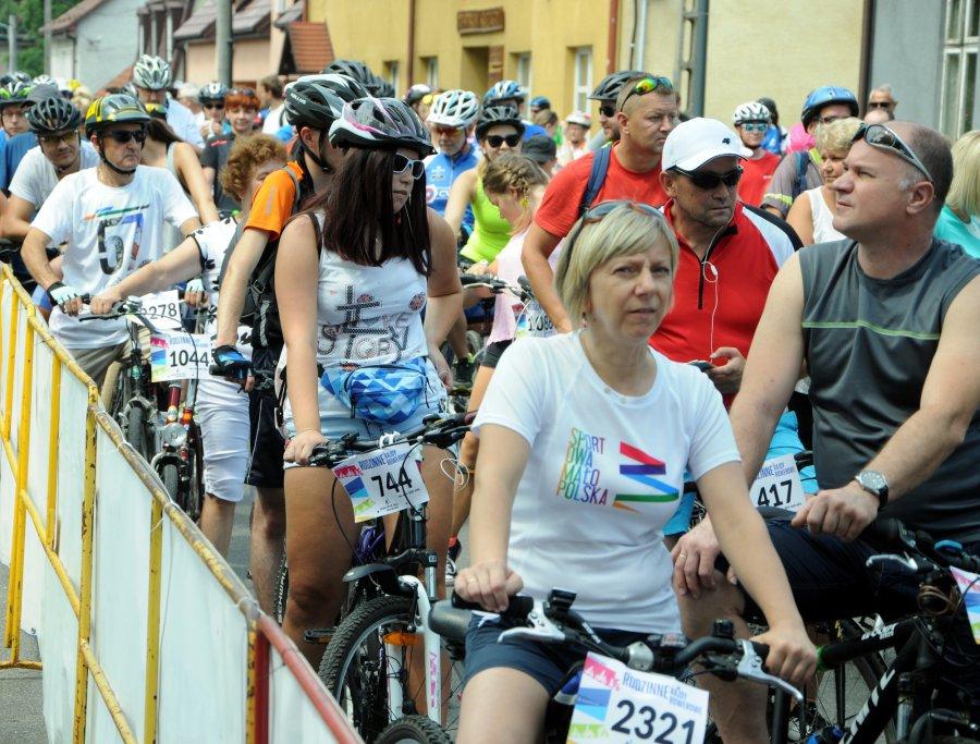 Setki rowerzystów na małopolskim rajdzie w Alwerni (WIDEO)