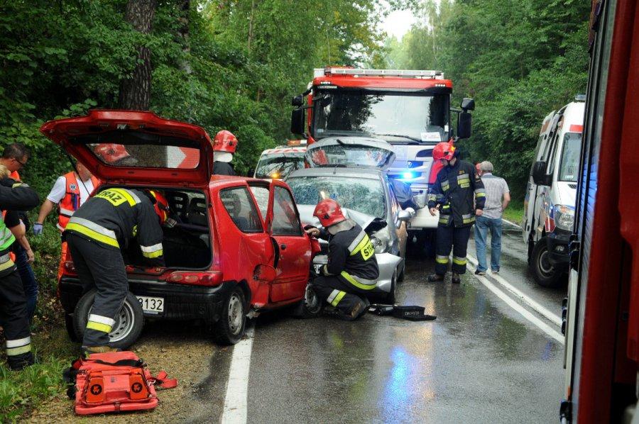 Wypadek w Płazie. Pogotowie zabrało rannych