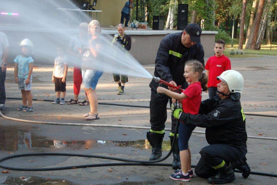 Strażacy dali dzieciom radość (WIDEO)